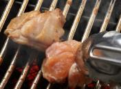 新感覚の焼肉屋。煙の出ない、ロースターで焼き上げます。新鮮な肉を、おいしいお酒でお楽しみ下さい。