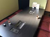 幅2200の大きな宴会用テーブルに2台のロースターをセットしました